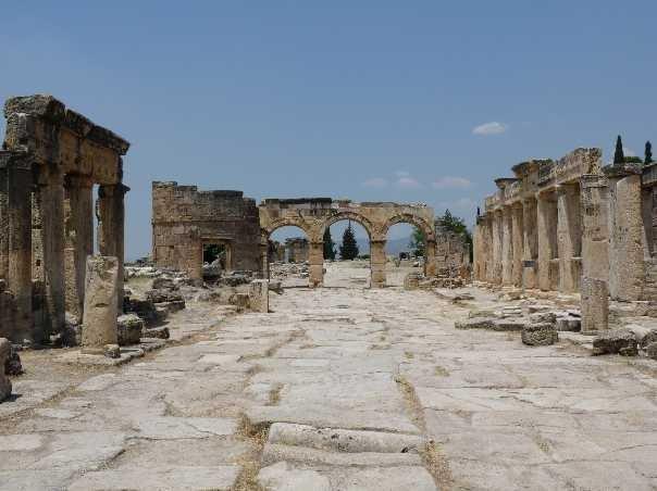 Necropolis Pamukkale